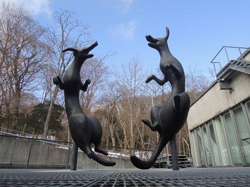 HP用犬彫刻画像